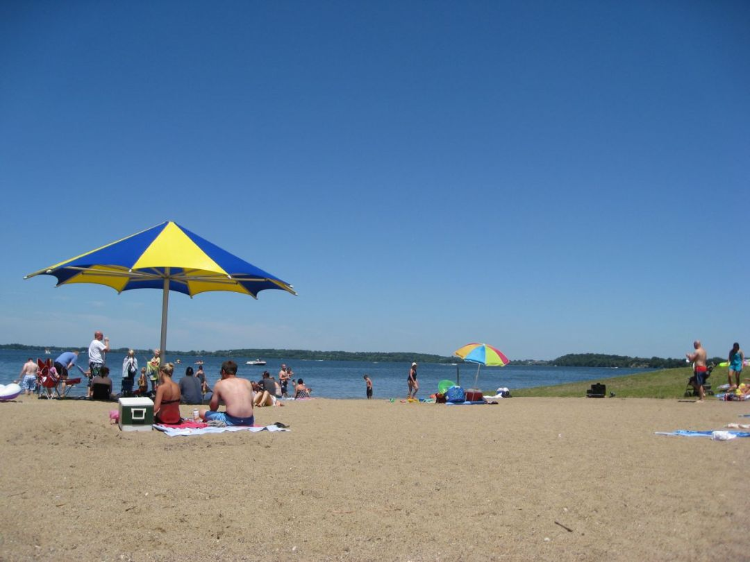 "Lake Waconia Beach. Image by <a href=""https://flic.kr/p/a3NDYJ"" target=""_blank"">Thomas/flickr</a>"