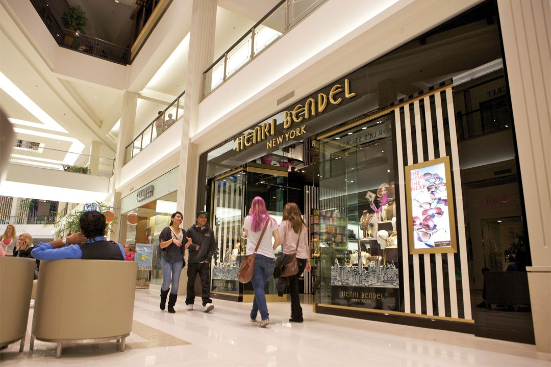 Henri Bendel New York at Mall of America. Image by Jeff Hoke/Greenspring Media