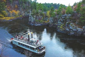 Scenic boat tour on the St. Croix River