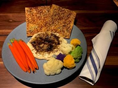 Hummus appetizer plate.