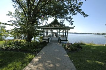 A gazebo overlooks the water at Noerenberg Memorial Gardens.