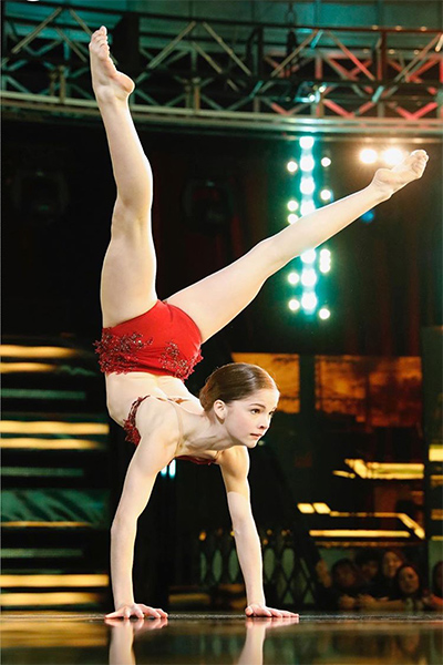 """Eva Igo goes into a handstand on """"World of Dance."""""""