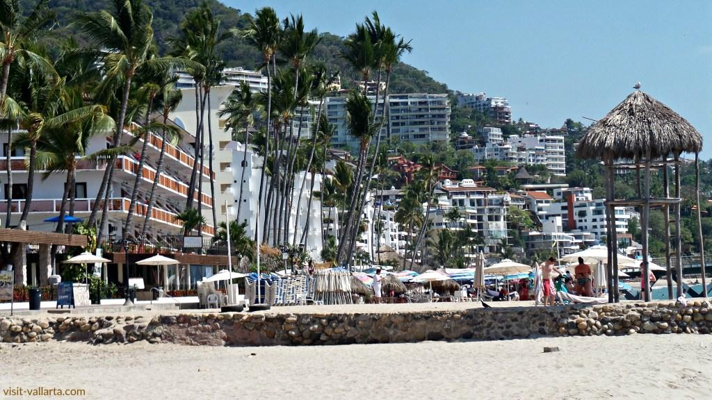 Los Muertos Beach à Puerto Vallarta, Le Mexique est une destination touristique et retraite. | www.visit-vallarta.com