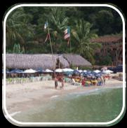 Picture linking to Boca de Tomatlan beach information.
