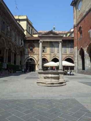 Piedra de los quebrados - Pozo de Piazza Mercanti