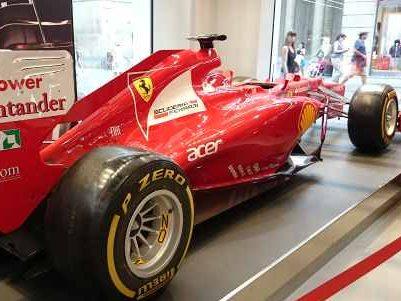 tienda Ferrari - visitas guiadas Milan español