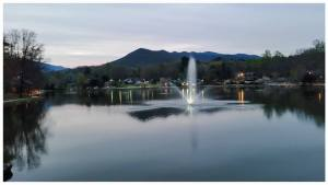 Black Mountain, NC - Lake Tomahawk