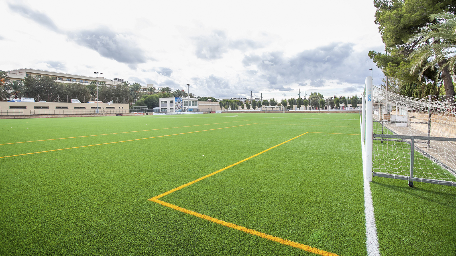 Santa Ponça Futbol. Santa Ponsa football pitch in Mallorca. Entrenar fútbol en Mallorca