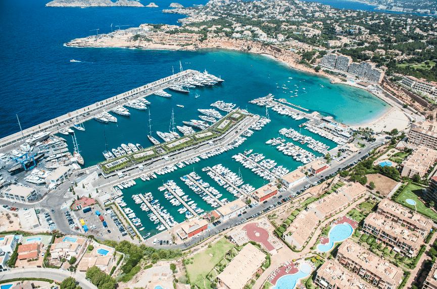 Puerto deportivo port adriano , Puertos deportivos de Mallorca