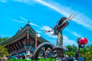 Dragon-at-Haedong-Yonggungsa-Temple-in-Busan-South-Korea