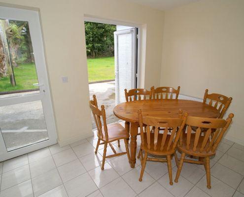 Bridgetown Cottage Kerrykeel - dining area