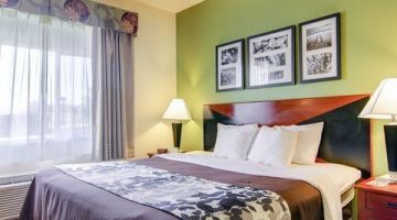 Cozy Rooms with Ample Amenities