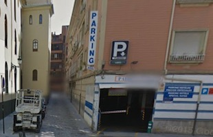 Granada Parking plaza de los campos