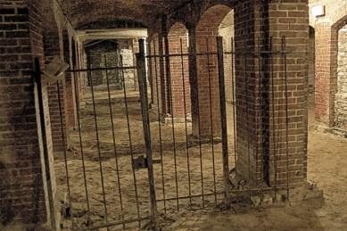 catacombs-gate-700x467