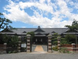 พิพิธภัณฑ์ศาลและหมู่บ้านประวัติศาสตร์ (เรกิชิ โนะ ซาโตะ)