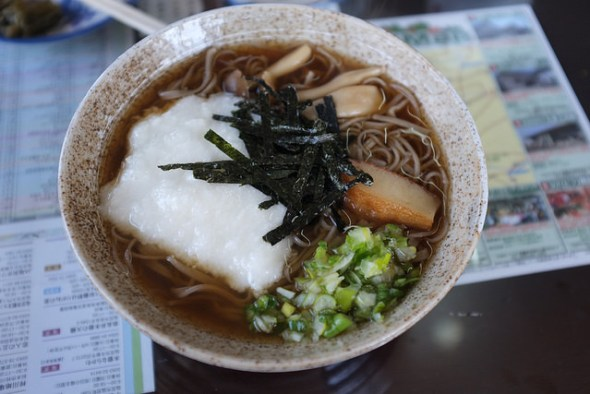 Hot soba with grated Japanese yam