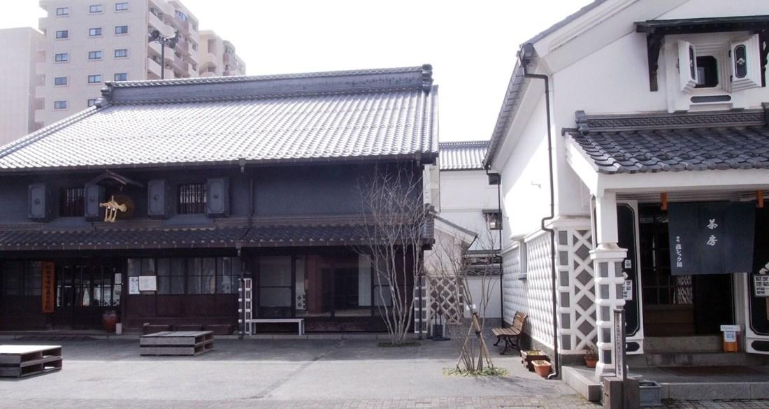 Nakamachi Kurassic-kan