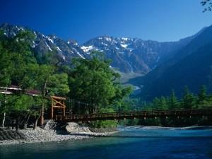 健行於上高地和日本阿爾卑斯,享受其美景(4月下旬~11月15日)