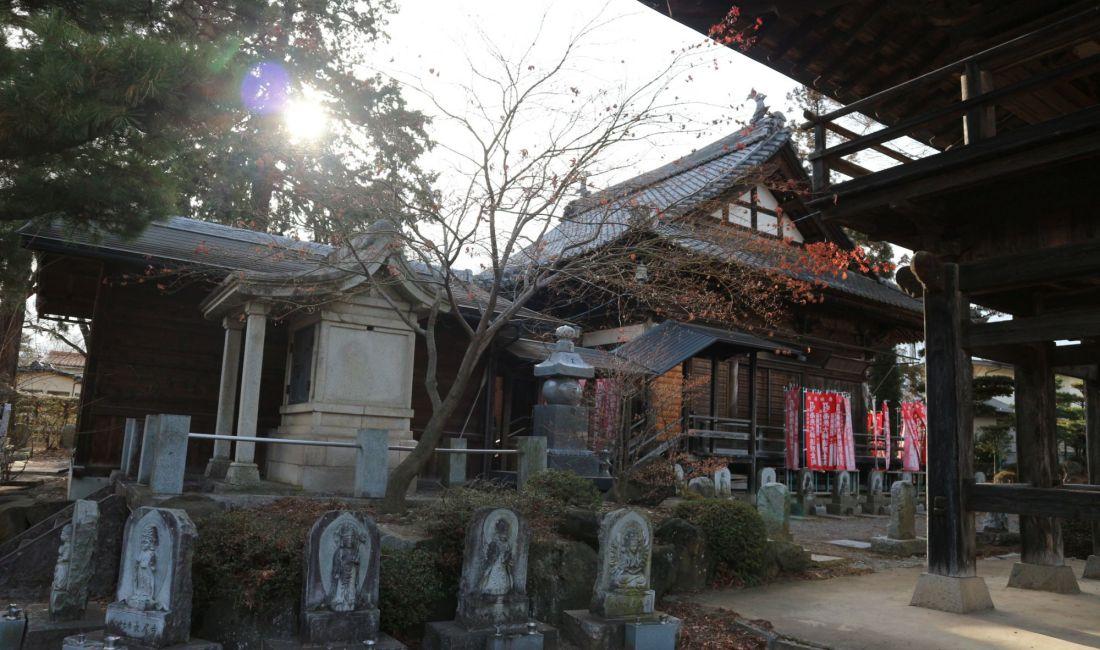 廃仏毀釈の危機の中廃寺の施設を移築した今井地区のお寺を訪ねて②宝輪寺