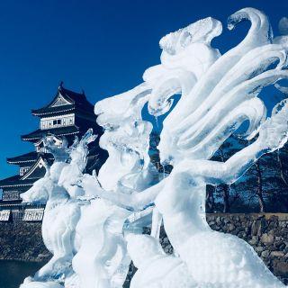 Eisskulpturen-Festival an der Burg Matsumoto