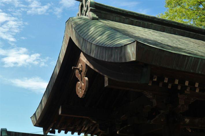 岡宮神社拝殿屋根