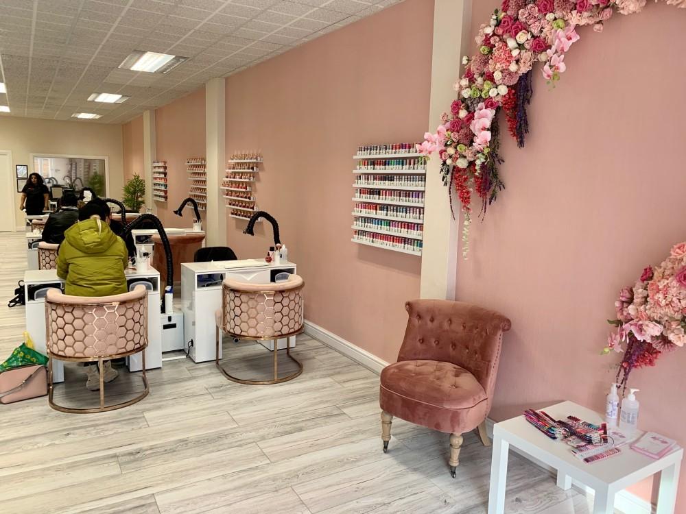 Vanity Salon 1