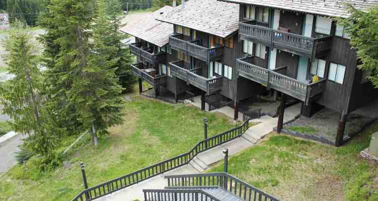 Crystal Chalets Norse Peak Exterior