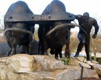 Sculpture in Logging Memorial Park | Enumclaw © Annalee Tobey