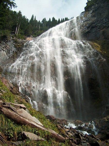 spray_falls