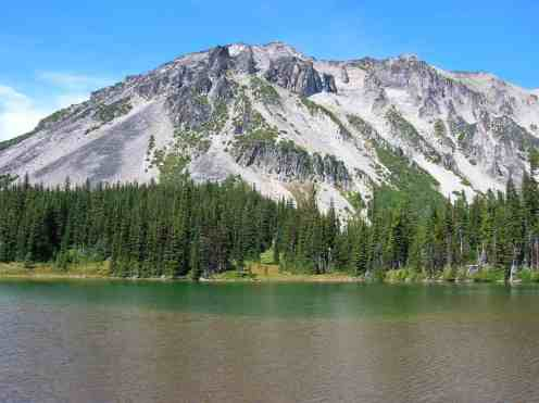 Mineral Mountain hovers over Mystic Lake © Craig Romano