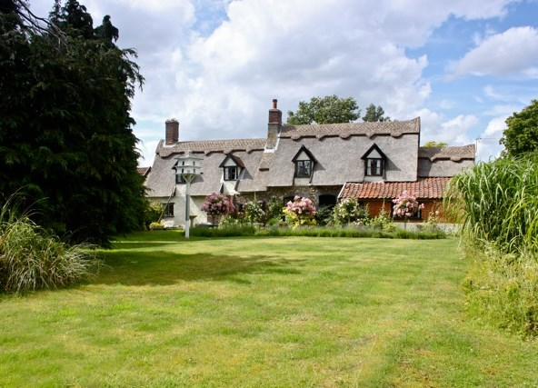 thatched_house_thompson1