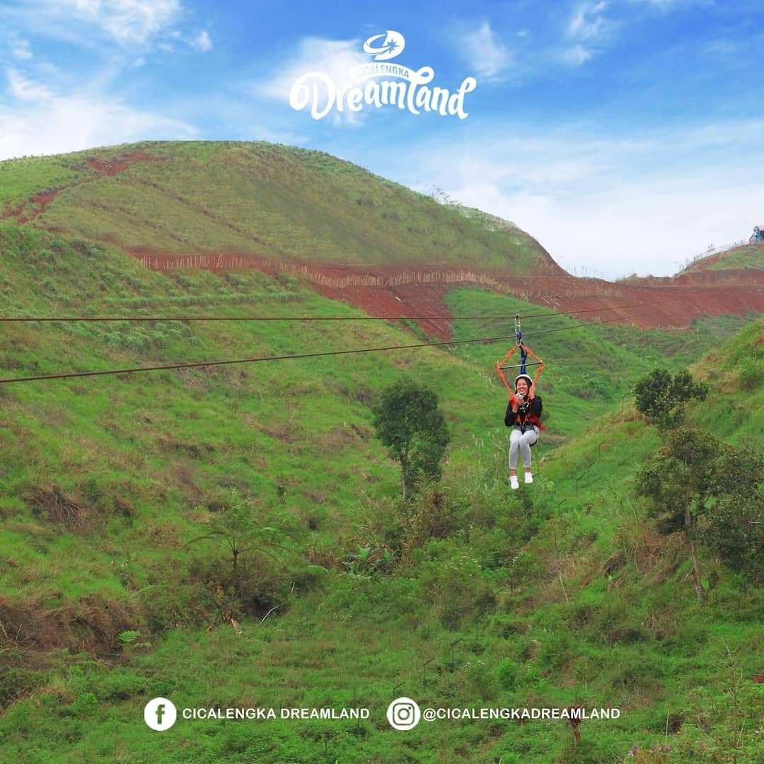 Wahana di Cicalengka Dreamland Bandung