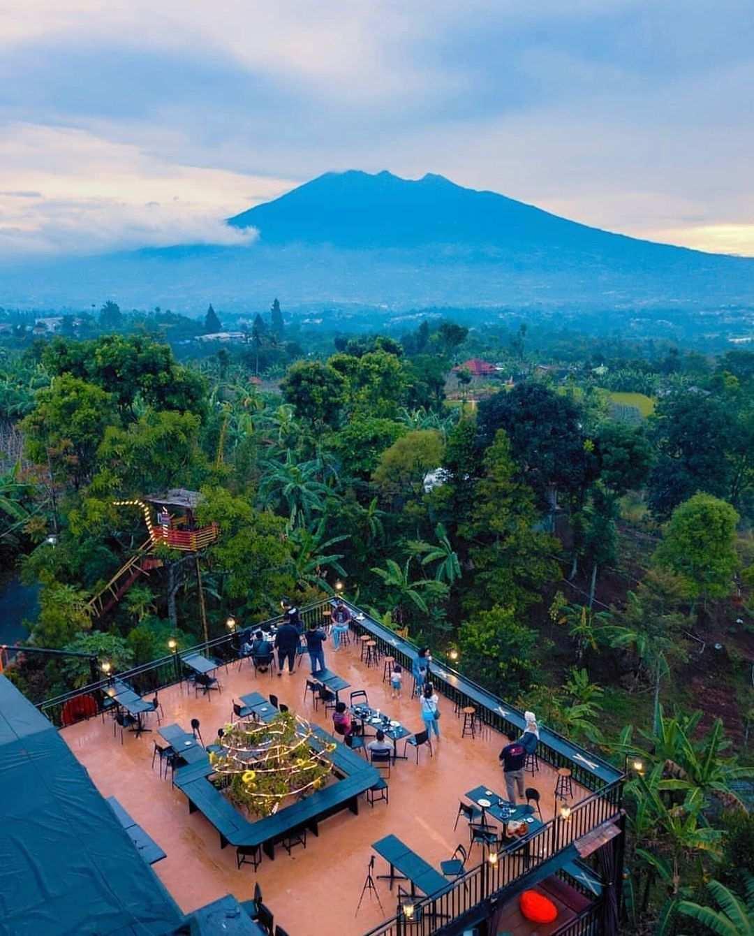 Cafe Resign Bogor