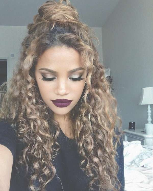 Women S Hairstyles Layered Haircuts For Naturally Curly Hair