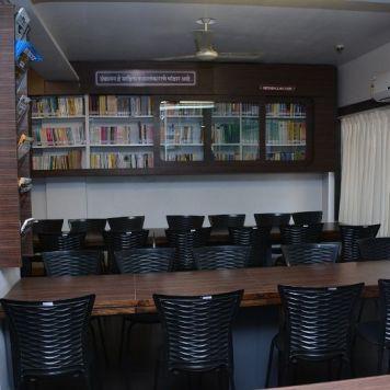 Lib & Reading room (5)