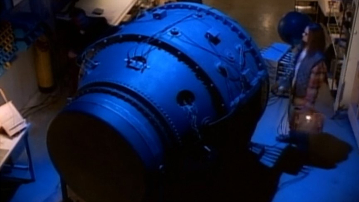 Weapon to destroy asteroid shown in blue from Sliders Last Days (1995)