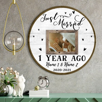Personalized 1st Wedding Anniversary Gift For Her, 1 Year Anniversary Gift For Him, Just Married Round Wood Sign H0