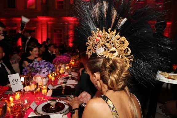 Sarah Jessica Parker's Philip Treacy headpiece