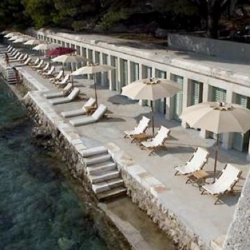 BonjLes Bains Beach