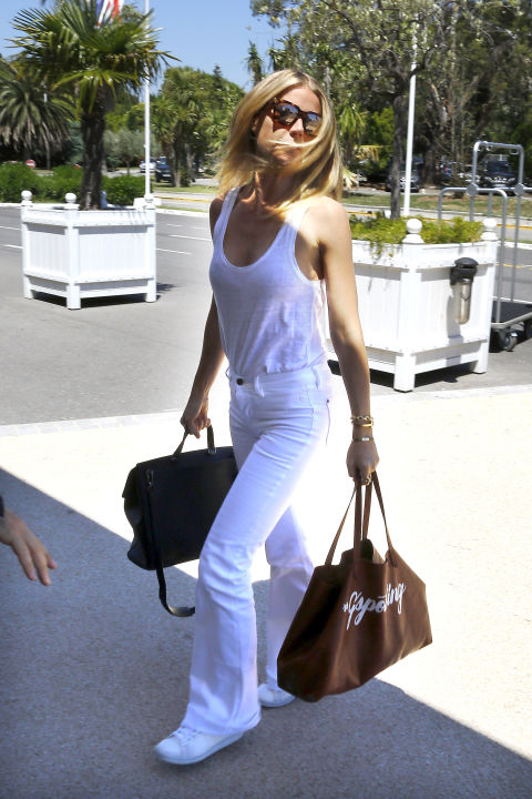 White jeans and top Gwyneth Paltrow street style
