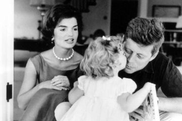Jackie John F Kennedy and daughter Caroline in Hyannis Port August 1960 Estate of Jacques Lowe