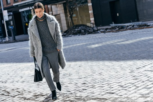 Monochromatic look fashion week street style