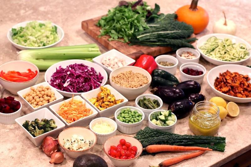 Mason Jar Salad Prep by Elise Museles | Photo c/o www.fiftytwothursdays.us