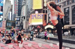 Lindsey Calla times square yoga Summer Solstice | Photo by Ksenia Avdulova