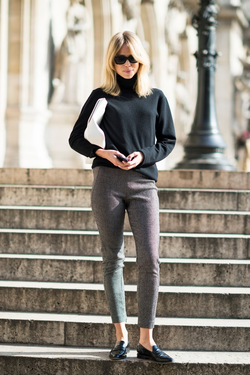 We-adore-slightly-retro-feel-her-cropped-trousers