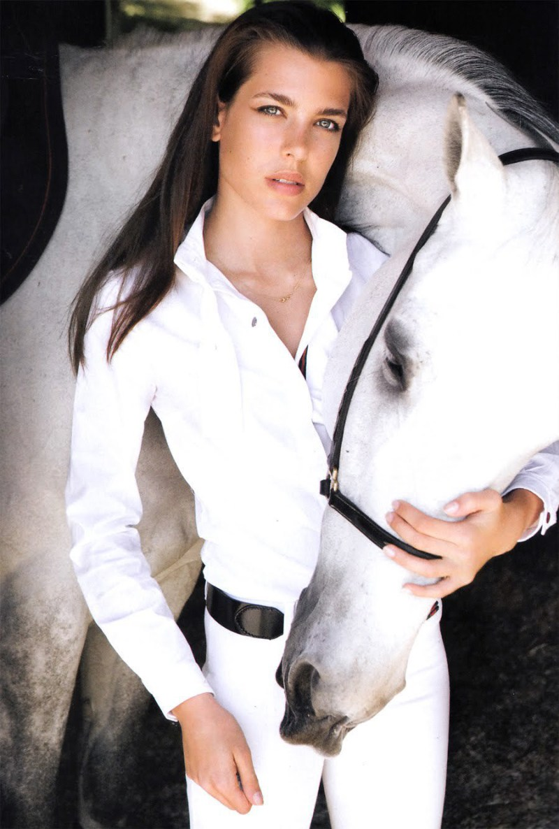 Charlotte-Casiraghi white horse equestrian style