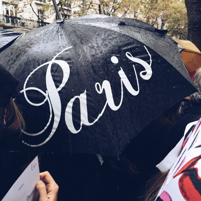Arriving to Hermès... rainy Paris!