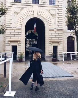 Lisa Marie arriving to Hermès - Rain