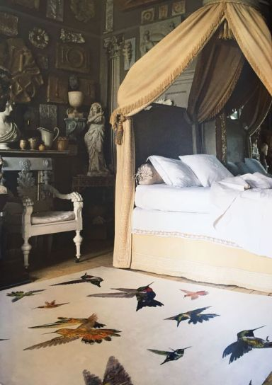 As we well know at Visual Therapy fashion and home walk hand in hand. This Alexander McQueen rug for The Rug Company is the perfect update to an uber classic, fabulously styled bedroom.