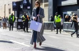 street style blogger shopping